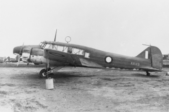 avro-652a-anson-i-ax113-on-charge-with-raaf-27-12-41